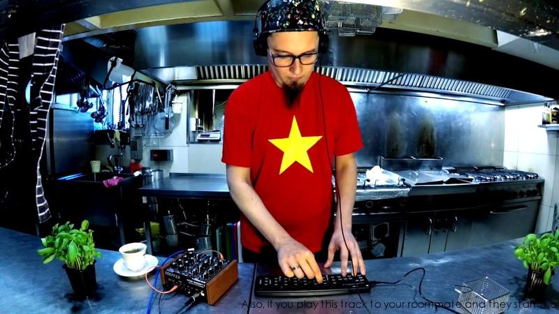 Techno in the Kitchen: d'OM - Jasper's Cough