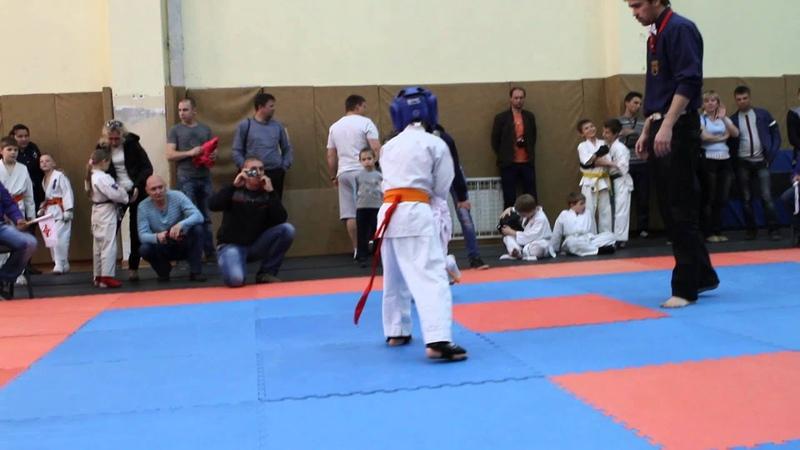 чётко в голову 2 кайтена. каратэ.Одесса 2014.05.17. мой 3 бой.выиграл.