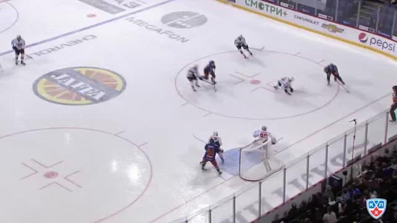 Моменты из матчей КХЛ сезона 1415 • Гол. 61. Сантери Саари (Йокерит) удачно бросил от синей линии 03.12
