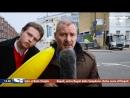 Журналист жёстко избил прохожего надувным бананом