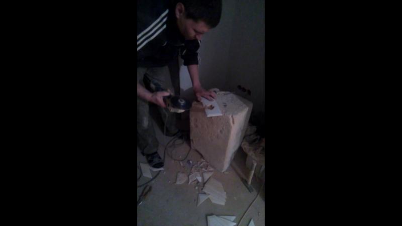 Вырезаем отверстие в плитке (плитка 10х30)