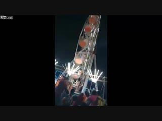 CRAZY NEWS NOW ( mass-media & video) 📹 - Indian Ferris wheel rid turns deadly screams