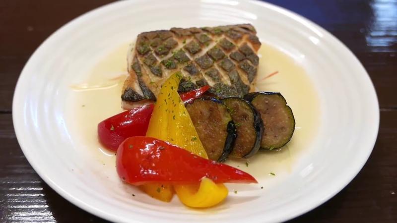 Японская уличная еда GIANT MACKEREL Окинава Морепродукты Япония
