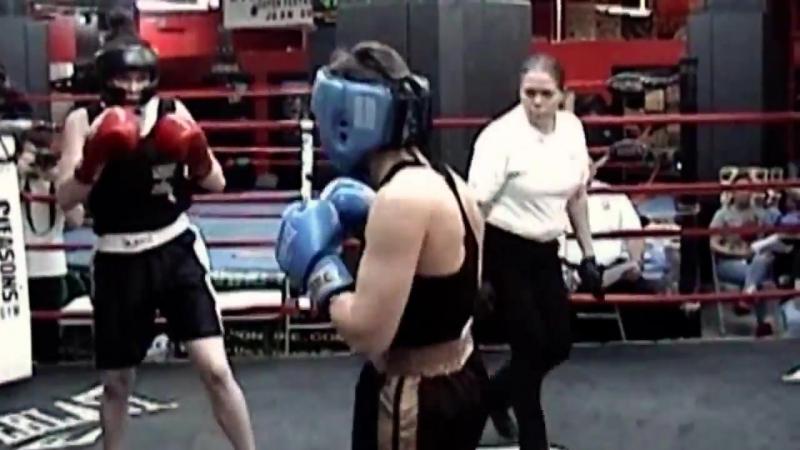 Jess Capuso _ Abby Koski _ female boxing @ Gleasons Gym. 141 lb. 3 rounds