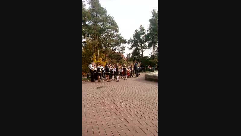Бесплатный концерт детей в Софиевском парке г Умань Украина