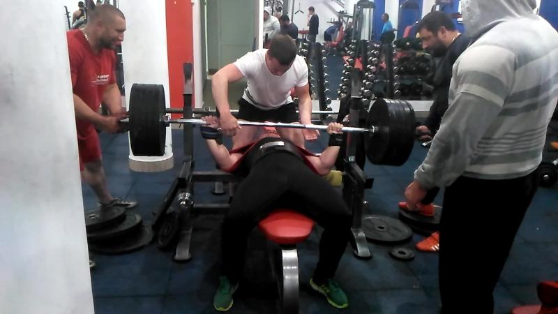 210 кг на 3 раза Смоленко Вадим