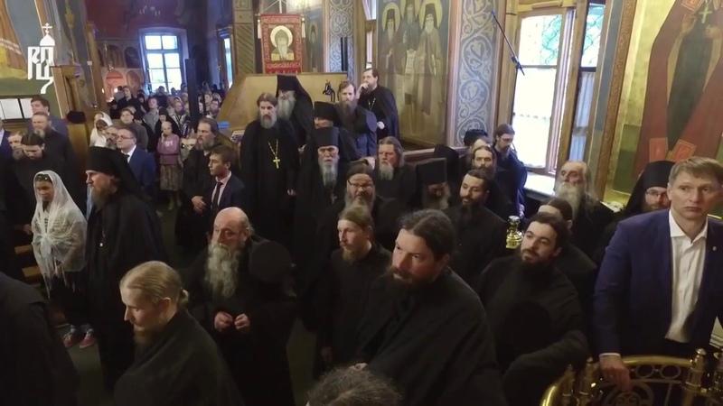 В канун праздника Казанской иконы Патриарх Кирилл совершил всенощное бдение в Оптиной пустыни