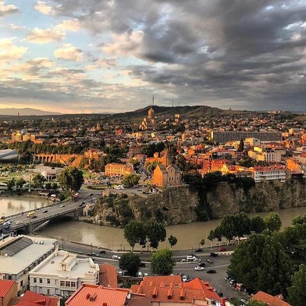 Петербург: прямые рейсы в Грузию (Тбилиси) от 6400 рублей туда-обратно