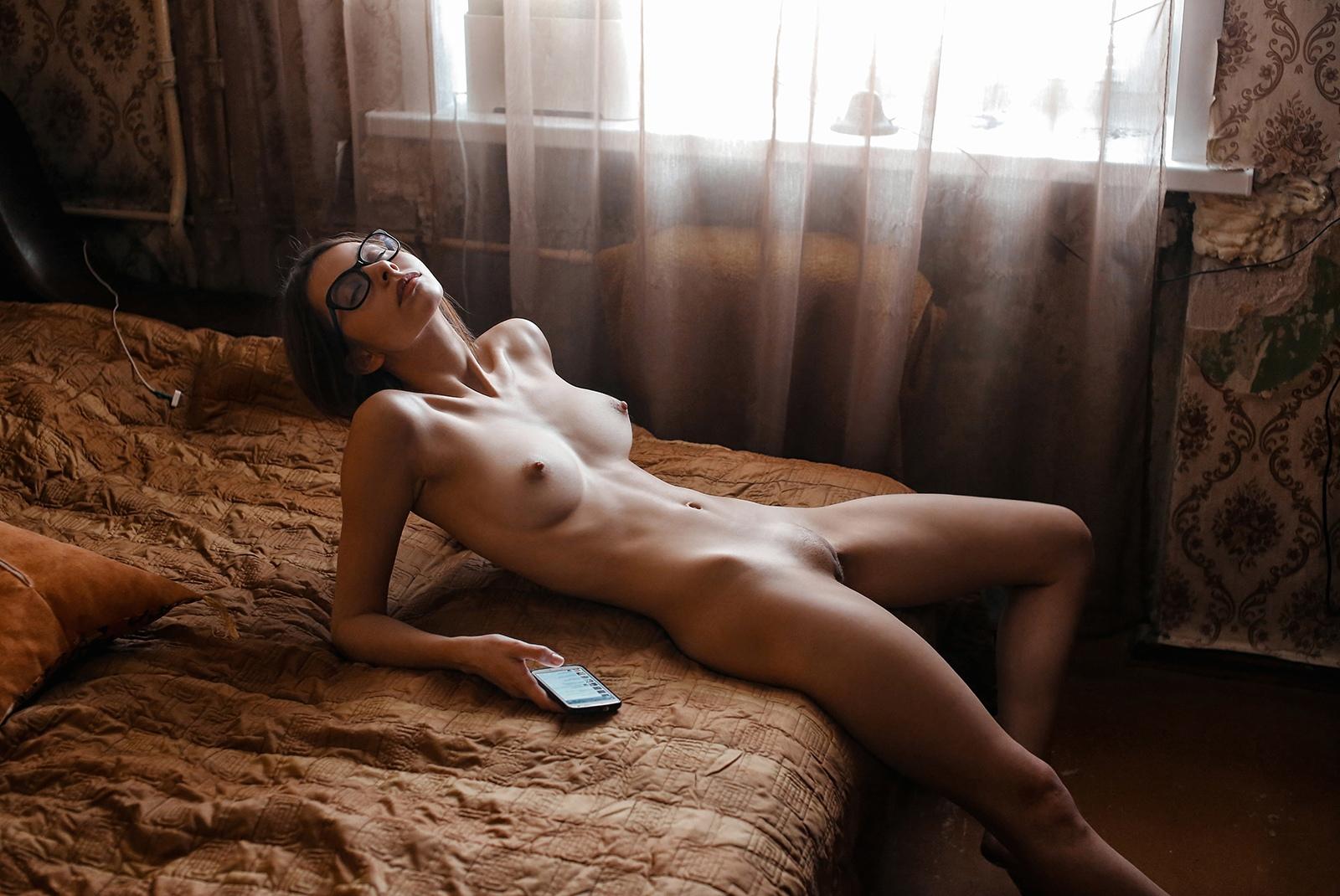 Обнаженные Фотографии В Домашних Условиях