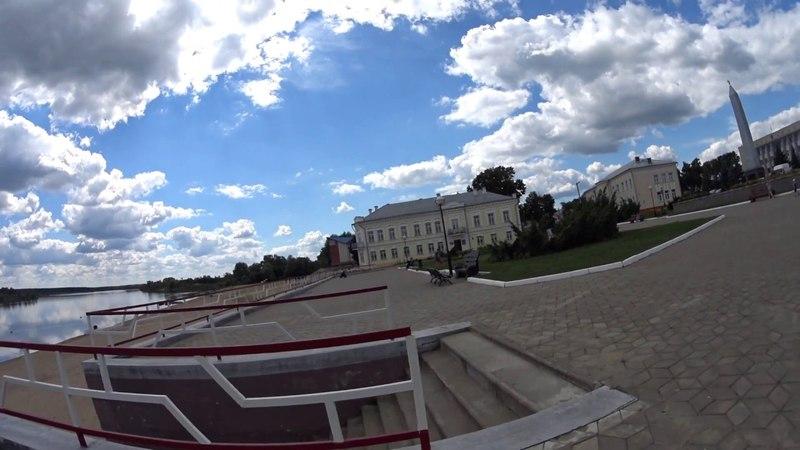 Беларусь Гомельская область город Лоев,слияние рек Днепр и Сож.