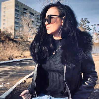 Таня Елина