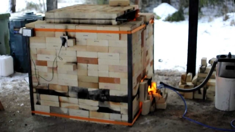Ceramic kiln fired with home made veggie oil burner 2