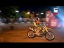 Воздушные сальто на мотоцикле и прыжки – керчанам показали байкшоу
