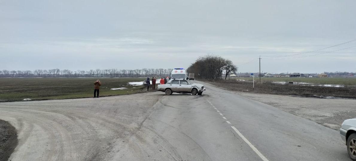 Под Таганрогом в результате столкновения Skoda Yeti и «ВАЗ-2107» пострадал человек