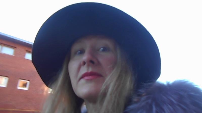 НА ВИДЕО Я (Татиана Салмановна Мактум Сайфуддин в шляпе осень 2018 года