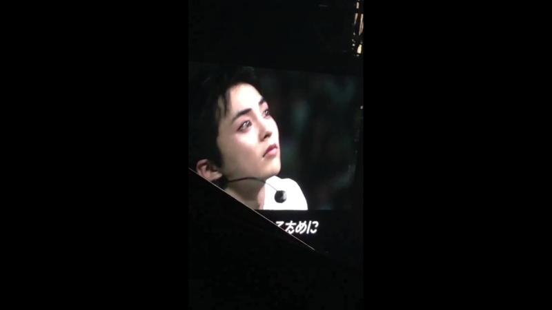 EXO CBXs reaction while watching the special video prepared by exols - they were trying not to cry 180608Magical Circus in Osaka