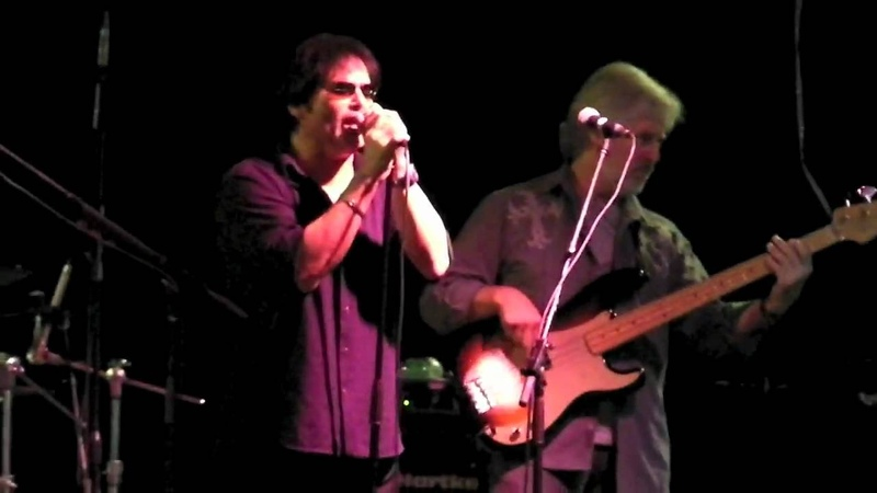 Baywatch Theme performed live by Jimi Jamison in Celebration