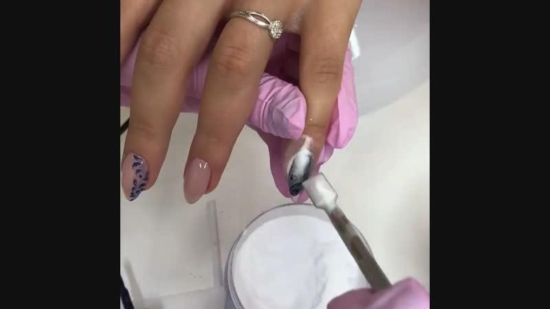 МК дизайн ногтей синий с вензелями💅🏻
