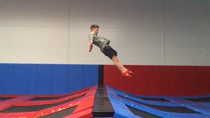 ⚡️YURA BARYSHEV⚡️ on Instagram let's get it on😇 New trampoline park @space park tramp 🤯 Opening soon🔜 I'm an athlete of @ ♥️