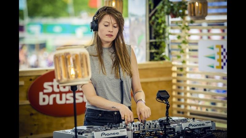 Charlotte de Witte - live bij Studio Brussel op Rock Werchter