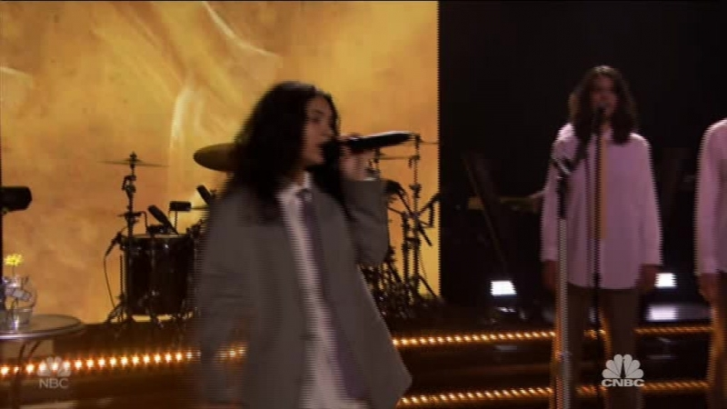 Alessia Cara - Growing Pains (The Tonight Show Starring Jimmy Fallon - 2018-06-18)