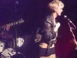 Five O'Clock Heroes feat. Agyness Deyn - Skin Deep (live)