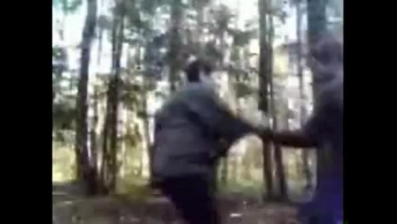фильмочок бредовый,но сука воспоминаний много с ним связано)