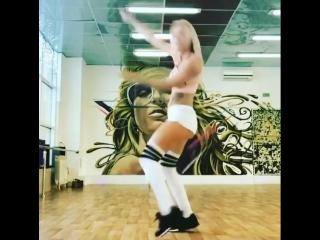 #dancemalyshka #top #russia #vkpvideo #girl #likeme #twerk #russiangirl #topgirl