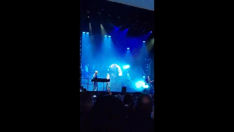 The Sun Always Shines On Me by A-ha live 07-06-18