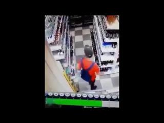 Грабитель в танце😆