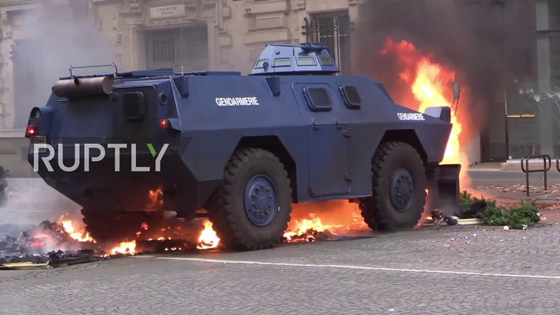 France Armoured vehicles deployed on Parisian streets as Yellow Vests protests continue
