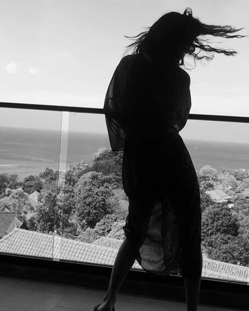"Maria Zaitseva Part Of 2Маши on Instagram: ""Наше c Сандрой утро начинается исключительно с танцев под the Chemical Brothers ""Block Rockin' Beats""..."