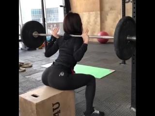 Evgeniya Mosienko юная русская фтоняшка качает свою упругую шикарную попку, секс молодые студентки жопа спортсменки не порно
