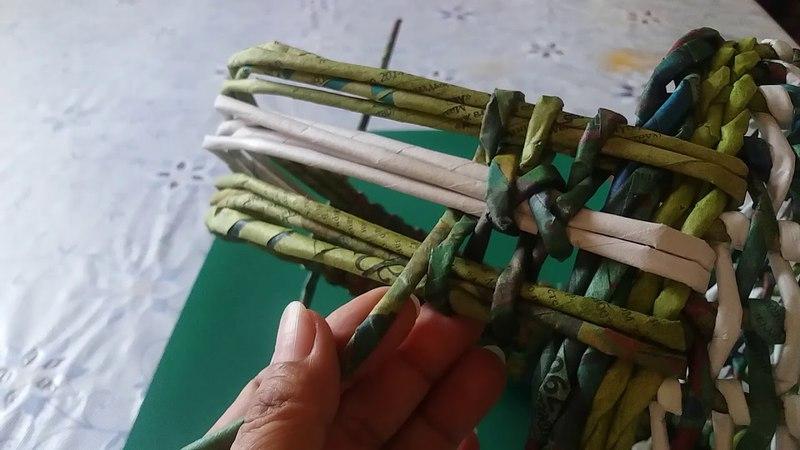 Декоративная ручка для корзиночки . Плетение из газетных трубочек.