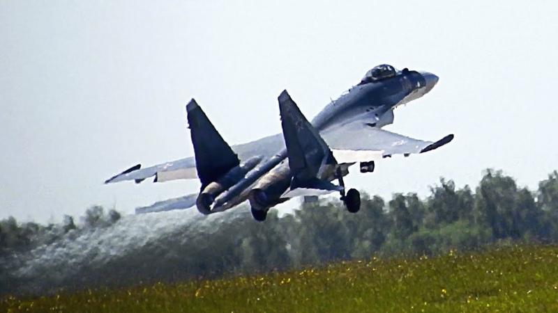 Фирменный взлёт Соколов России с бочкой на форсаже (Су-35С)! Авиадартс 2018! Рязань