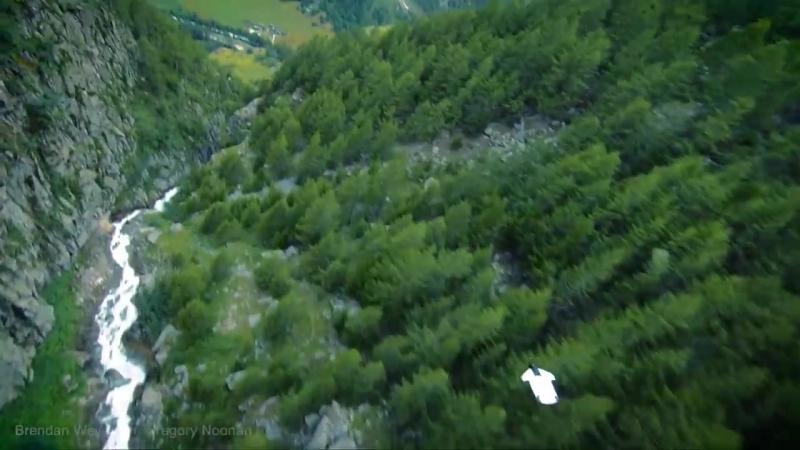 Самый самоубийственный полет в костюме-крыле, который вы когда-либо видели