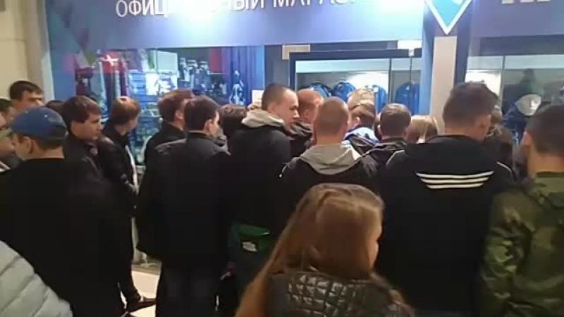 Стрим 63.ru: Евгений Башкиров покупает болельщикам билеты на матч Крылья Советов - Зенит
