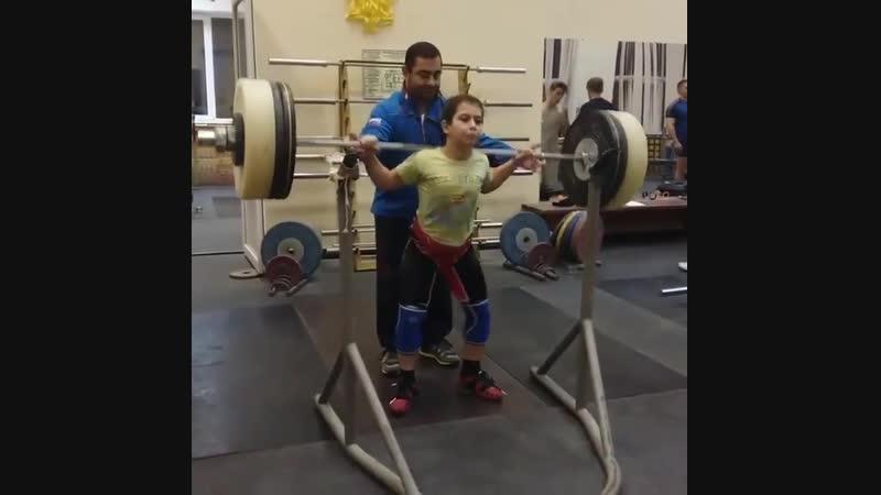 Тигран Мкртчян 10 лет приседает 85 кг