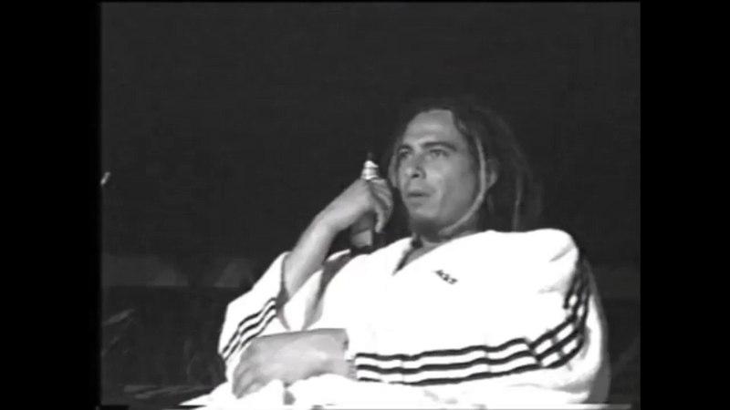 Jonathan Davis of Korn recording 'Kill You' (Life is Peachy, 1996)
