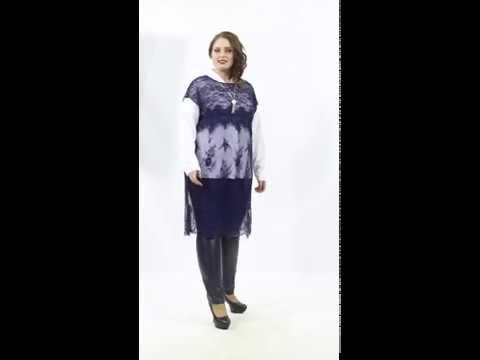 Роскошная туника П2-3653/3 прямого силуэта из тонкого кружевного полотна синего цвета