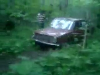 я жиганю на старой копье по лесу...жесть