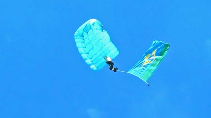 День ВДВ-2018 в Твери. Прыжки с парашютом