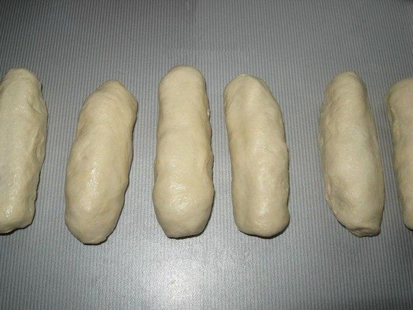 Жареные сосиски в тесте.