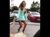 Офигенно танцует!