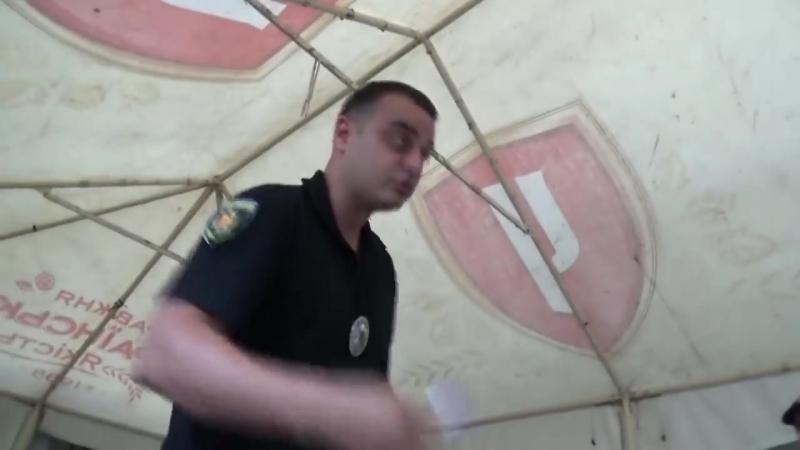 Обкуренная полиция против разливайки на районе