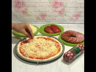 Пицца по-домашнему (ингредиенты в описании видео)