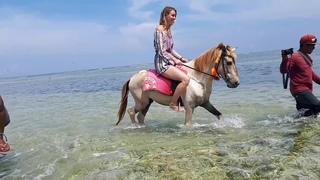 Riding horses in Ombak Sunset-Gili Trawangan