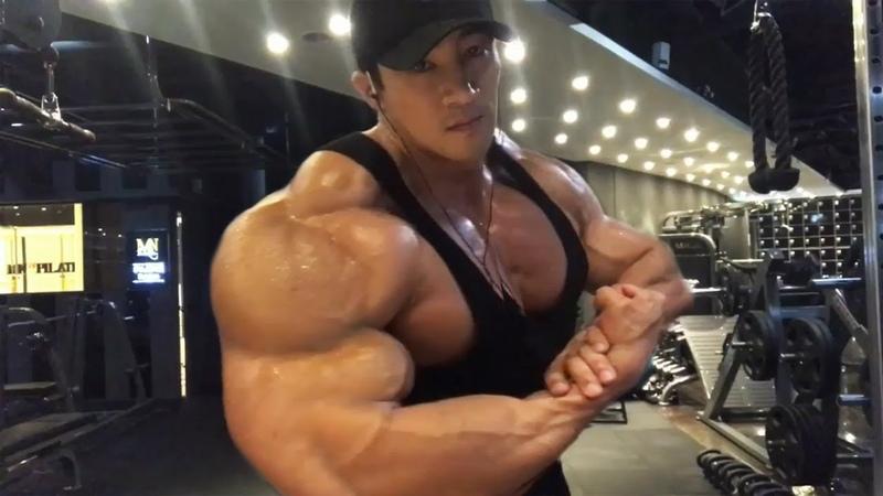 Hwang Chul Soon Massive Shoulder Workout - Asian Monster