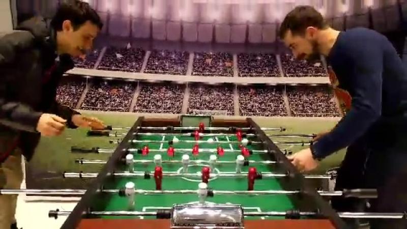 Настольный футбол. Тренировка