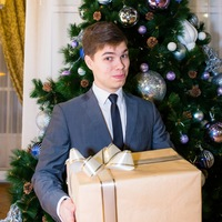 Ведущий Даниил Борисов